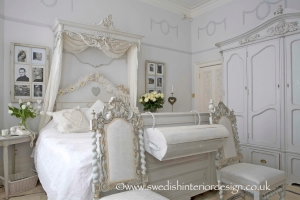 handmade_bespoke_gustavian_bed_coronet_and_armoire_-_Version_2